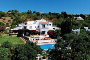 The British-run Quinta Bonita hotel